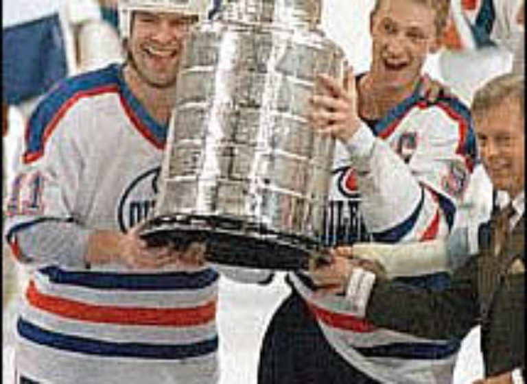 messier_gretzky_215x285_oilers_cup